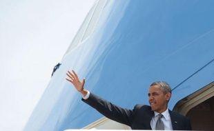 """Le président américain Barack Obama a évoqué une """"période difficile"""" en rendant hommage à son homologue français Nicolas Sarkozy après sa défaite, allusion à la crise économique qui pèse aussi sur sa propre candidature à un second mandat en novembre"""
