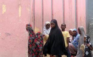 Des fillettes à Banki, au Nigeria, près de la frontière avec le Cameroun, le 17 juin 2014