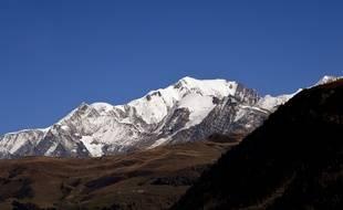 Le massif du Mont-Blanc, ici photographié depuis le barrage de Roselend dans le Beaufortain.