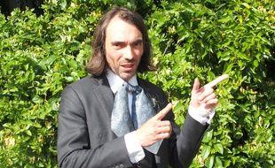 Orsay, le 31 mai 2017. Cédric Villani part en campagne pour devenir député en Essonne avec La République en marche.