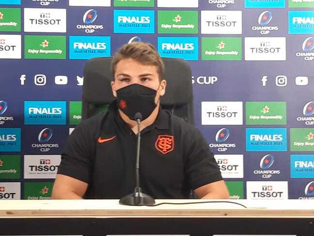 Antoine Dupont et son oeil amoché après le match contre l'Ulster.