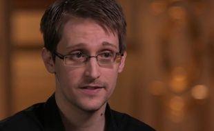 """L'ancien consultant de la NSA Edward Snowden interviewé dans l'émission """"Last Week Tonight""""."""