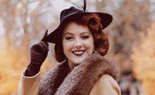 La Lyonnaise Marion Berrou-Drand, alias Dollykitten, est la première Française à avoir été sélectionnée parmi les 12 finalistes du concours de pin-up Viva Las Vegas, qui se tiendra le 20 avril.
