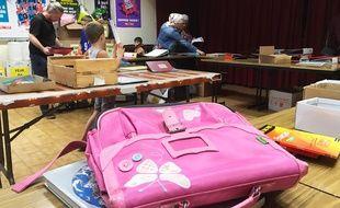 Samedi, des associations niçoises ont distribué 66lots de matériel et 32cartables.