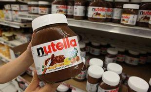 Illustration Nutella dans les rayons d'un supermarché.