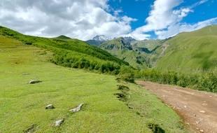 Austère et mystique, le Grand Caucase s'avère la terre promise du randonneur.