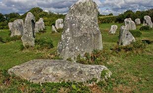 Les menhirs d'Erdeven dans le Morbihan (illustration)