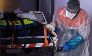 Deux trains médicalisés transportant des patients d'Ile-et-France sont déjà arrivés mercredi 1er avril en Bretagne.