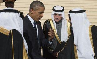 Le président américain Barack Obama (g) et le roi d'Arabie saoudite Salmane (d) à Ryad le 27 janvier 2015