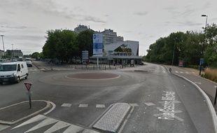 Le rond point de la Gloriette, dans le centre-ville de Nantes, point de départ de la course folle.