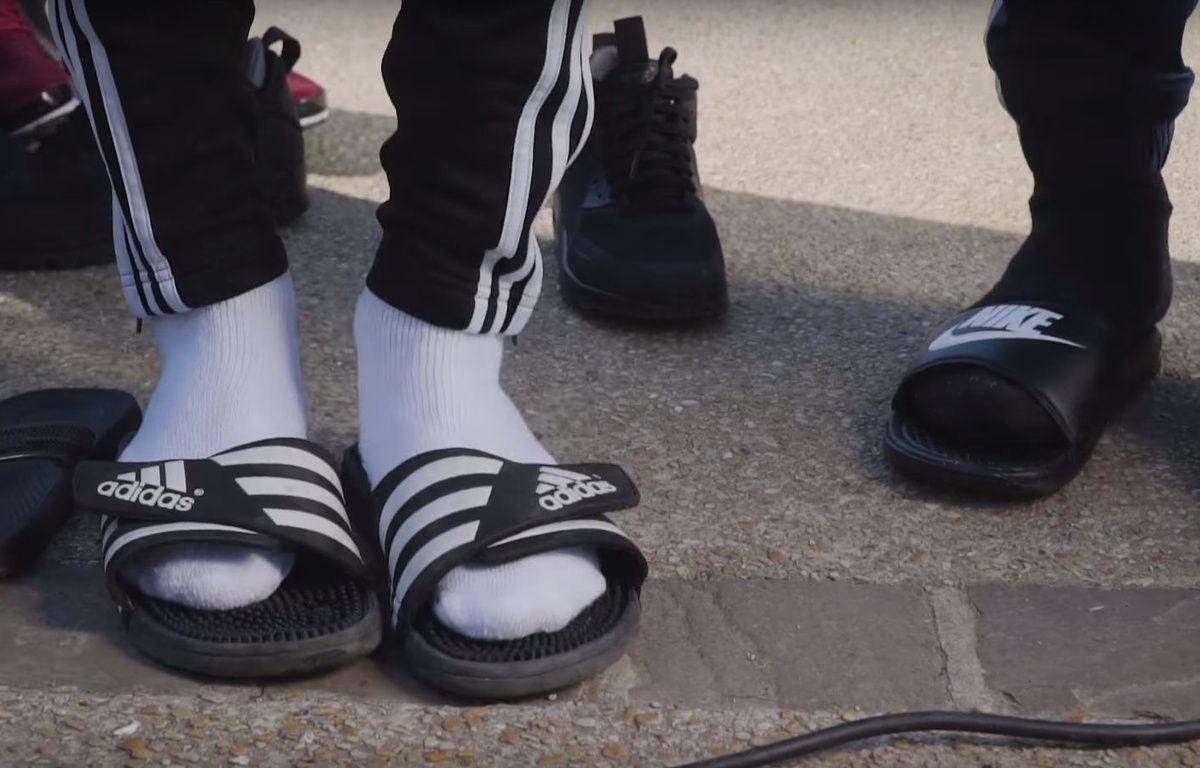 Le clip d'Alrima, «Claquettes-chaussettes», a été vu  plus de 1,6 million de fois. – Capture Youtube AlrimaVEVO