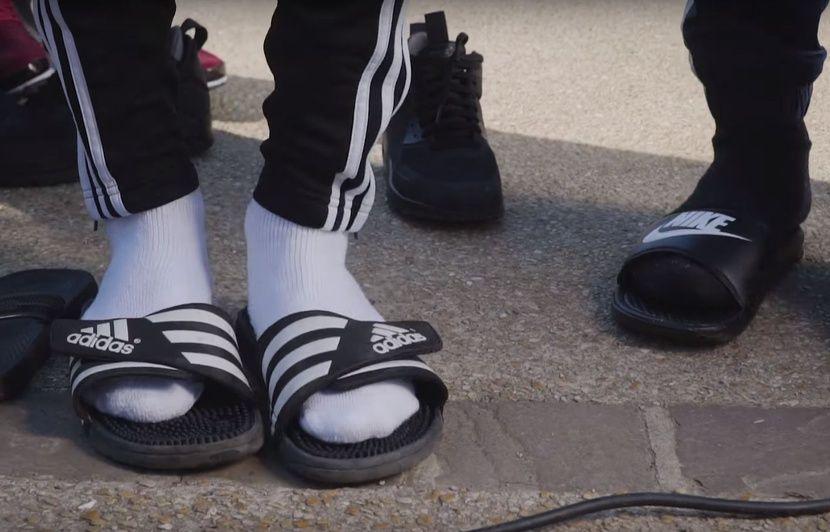 StopOn Arrête ToutLa Claquettes Sur Chaussettes Des Le Mode Est SVGzMqUp
