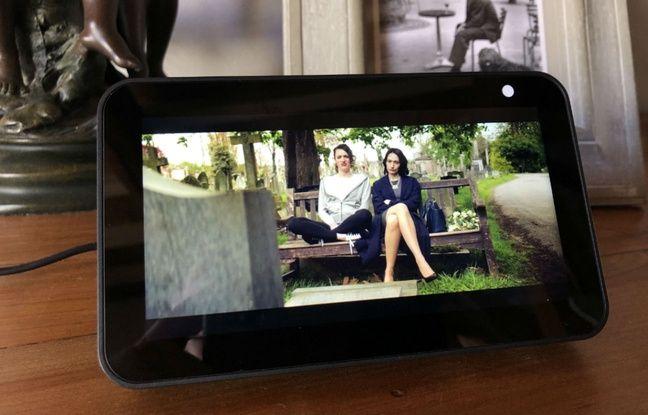 Sur l'Echo Show 5 d'Amazon, la possibilité de regarder des vidéos.