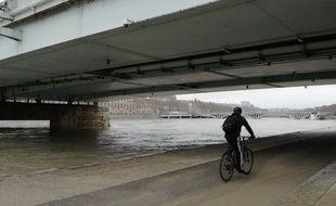 Lyon, le 7 janvier 2018. Le niveau du Rhône, placé en vigilance jaune aux crues, a commencé à baisser.