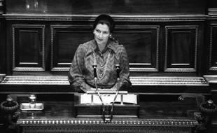 Simone Veil à l'Assemblée nationale, le 13 décembre 1974. (illustration)