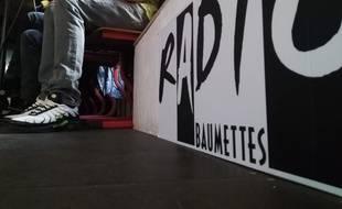 A Marseille, l'équipe détenue de Radio Baumettes enregistre pour la première fois une émission hors les murs, à Coco Velten.