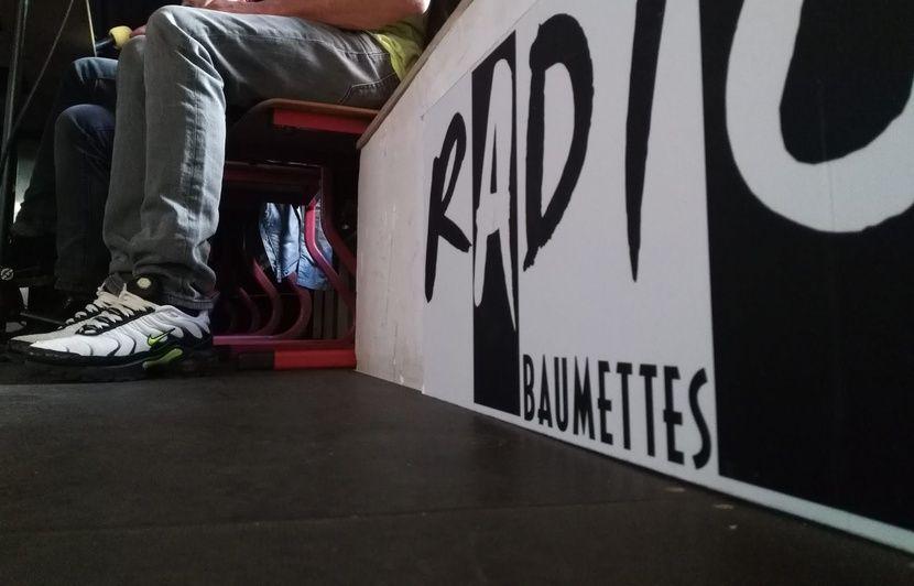 Marseille : Radio Baumettes est pour la première fois sortie de prison, pour une émission animée par les détenus en direct et en public