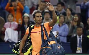 Rafael Nadal quitte le court après sa défaite contre Troicki le 12 octobre 2016.