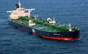 """Le chef des pirates somaliens qui détenaient le superpétrolier saoudien Sirius Star et son équipage depuis le 15 novembre a annoncé à l'AFP avoir """"libéré"""" vendredi le navire."""