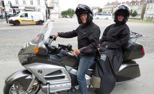 Nantes, le 17 juin 2014, lancement d'Allomoto44, societe de moto taxi, gere par Patrick Pucheu (ici en compagnie d'une cliente)