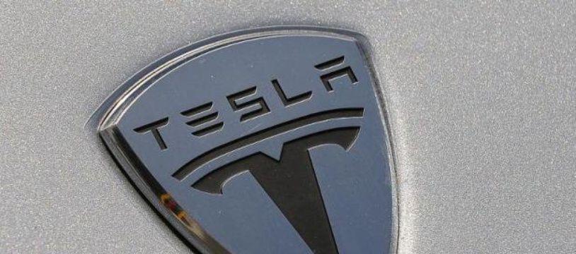 Logo de Tesla