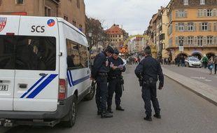 Une cinquantaine de perquisition administratives dans le Bas-Rhin. Etat d'urgence durant le marché de Noël de Strasbourg (Illustration)