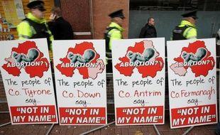 La première clinique privée pratiquant des interruptions de grossesses en Irlande du Nord a ouvert jeudi à Belfast dans la polémique, l'initiative suscitant de fortes résistances dans cette province britannique où l'avortement est très strictement encadré.