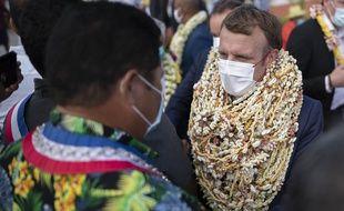 Emmanuel Macron à son arrivée sur l'atoll de Manihi, le 26 juillet 2021.