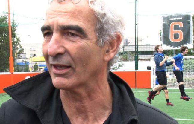 Capture d'écran de la vidéo «Raymond Domenech coach de l'équipe de 20Minutes.