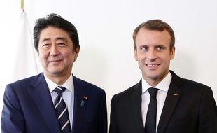 Le Premier ministre japonais Shinzo Abe et Emmanuel Macron à New York, le 20 septembre 2017.