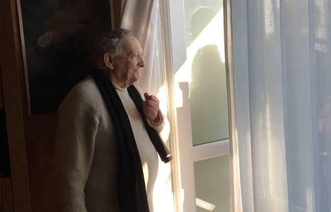 Michel Jussiaume apprécie beaucoup la vue sur les Côteaux de sa fenêtre et ne veut pour rien au monde quitter son logement.