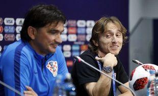 Le sélectionneur de la Croatie Zlatko Dalic et le capitaine Luka Modric en conférence de presse avant la finale contre la France, le 14 juillet 2018.