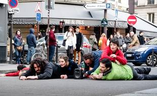 La compagnie Jeanne Simone interviendra sur le parvis de Champs Libres.