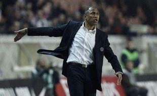 L'entraîneur du PSG Antoine Kombouaré, le 13 mars 2011, au Parc des Princes.