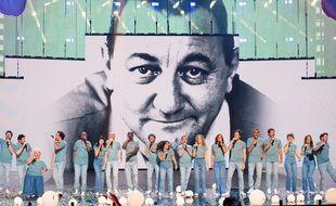Les Enfoirés sur la scène de la Halle Tony Garnier à Lyon
