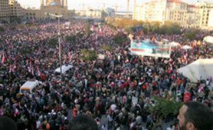 à beyrouth avant une manifestation contre le gouvernement à l'appel du Hezbollah le 1 decembre