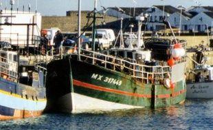 """Les marins du bateau breton Le Sokalique, éperonné en 2007 par un cargo turc sous pavillon des îles Kiribati en 2007, ont évoqué mardi avec émotion, au procès des responsables présumés à Brest, le """"choc"""" perçu la nuit du drame qui a coûté la vie à leur patron Bernard Jobard"""
