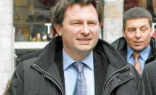 Le socialiste Dominique Baert (à gauche) s'est montré le plus assidu, l'UMP Sébastien Huyghe le plus productif.