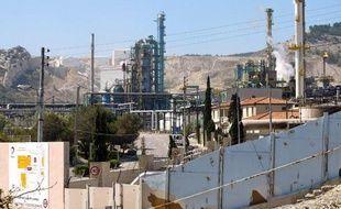 Photo prise le 20 mai 2005 de la raffinerie de Total de La Mède (sud de la France)