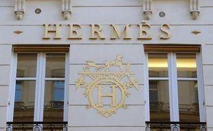 """La vénérable maison Hermès, qui a relevé pour la deuxième fois ses prévisions annuelles, va """"battre"""" ses chiffres de ventes record de 2010 cette année, a déclaré vendredi à l'AFP son patron Patrick Thomas."""