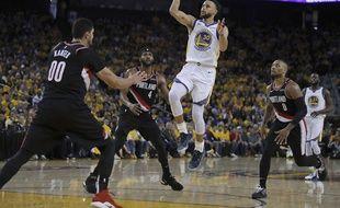 Stephen Curry a plombé Portland sur le match 1.