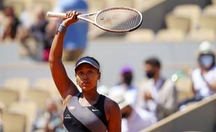 Coup de tonnerre sur Roland-Garros, Naomi Osaka a annoncé qu'elle se retirait du tournoi.