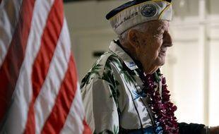 Un des derniers rescapés de Pearl Harbor a été inhumé en mer, dans l'épave d'un navire de guerre 310x190_veteran-armando-gallela-98-ans-pendant-discours-lors-78eme-anniversaire-attaque-pearl-harbor