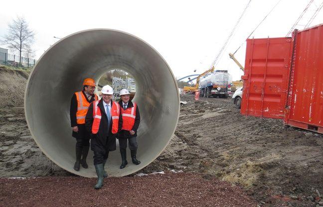 Le collecteur d'eaux usées de 3 mètres de diamètre qui doit être installé.