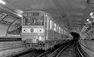Martin Nadaud est une des huit stations fantômes du métro parisien.