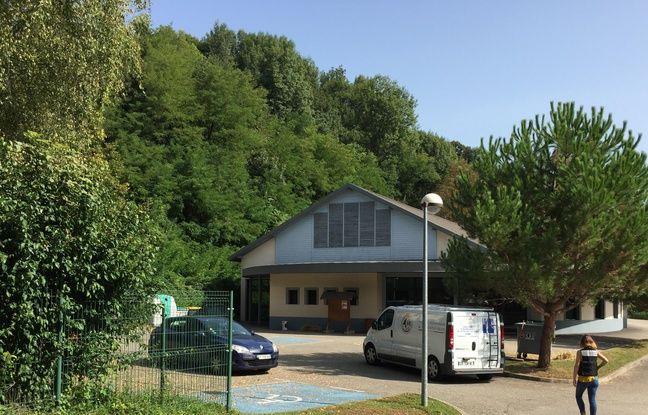 Pont-de-Beauvoisin, en Isère, le 29 août 2017. Maëlys, 9 ans, a été vue dimanche vers 3 h du matin dans cette salle des fêtes où elle assistait à un mariage avec ses parents.