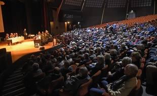 Le conseil des Prud'hommes délocalisé au Parc des expositions et des congres d'Amienspour l'audience des 800 ex-salariés de Goodyear contre leur ancien employé.