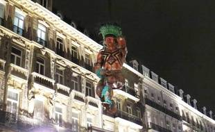 Les premières statues brésiliennes ont été enlevées, dans la nuit de lundi à mardi.
