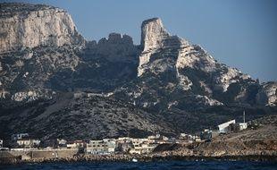 Le village des Goudes à Marseille constitue l'une des entrées principales du parc national des Calanques