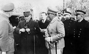 Philippe Petain et Hermann Goering, chef de la Gestapo, en 1941.